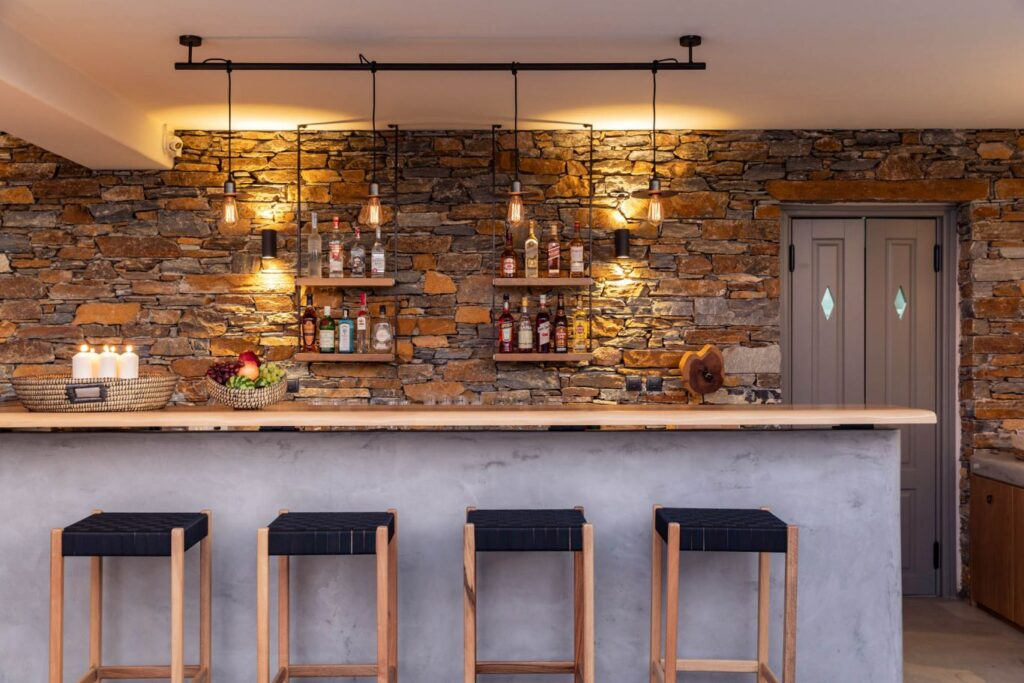 Chora Kythnos Bar