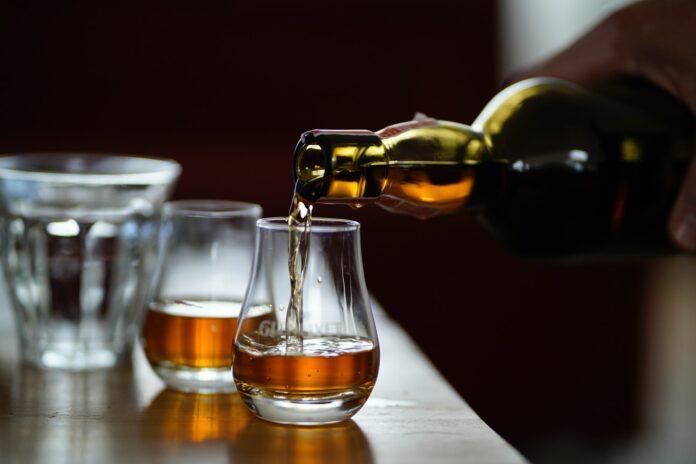 ποτό whiskey